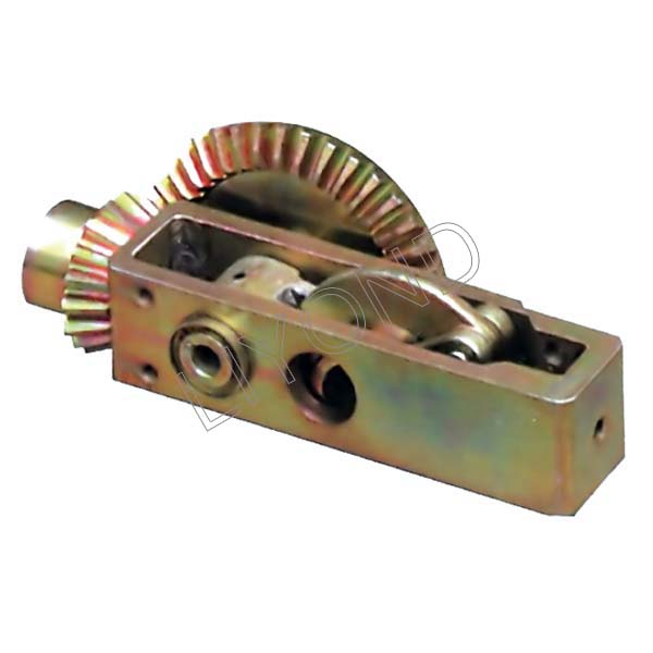 Single bevel gear for earthing switch